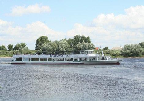Die LÜNEBURGER HEIDE auf der Elbe, © Jürgen Wilcke