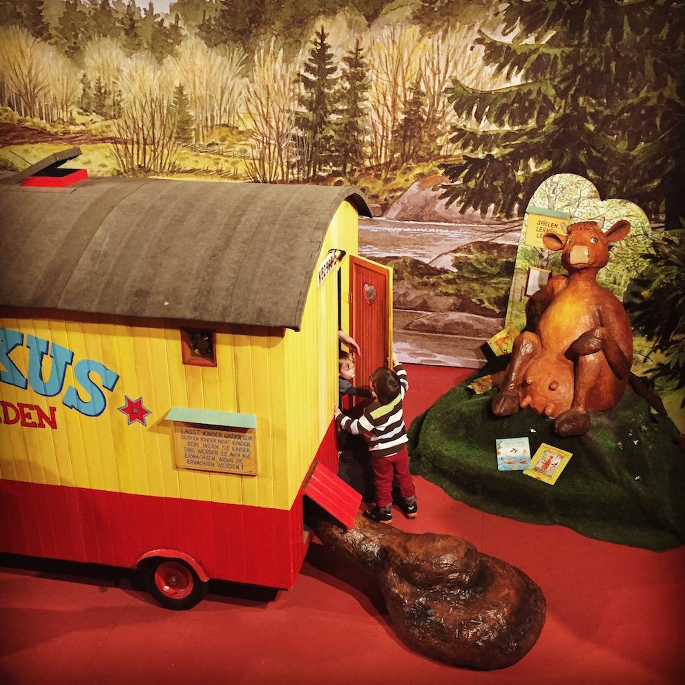Ausstellung frech, wild & wunderbar - Schwedische Kinderbuchwelten in Bad Oldesloe, Ausstellung, 25.02.2018, Kreistagsgebäude Kreis Stormarn (Foyer) - Copyright MachMitMuseum Berlin