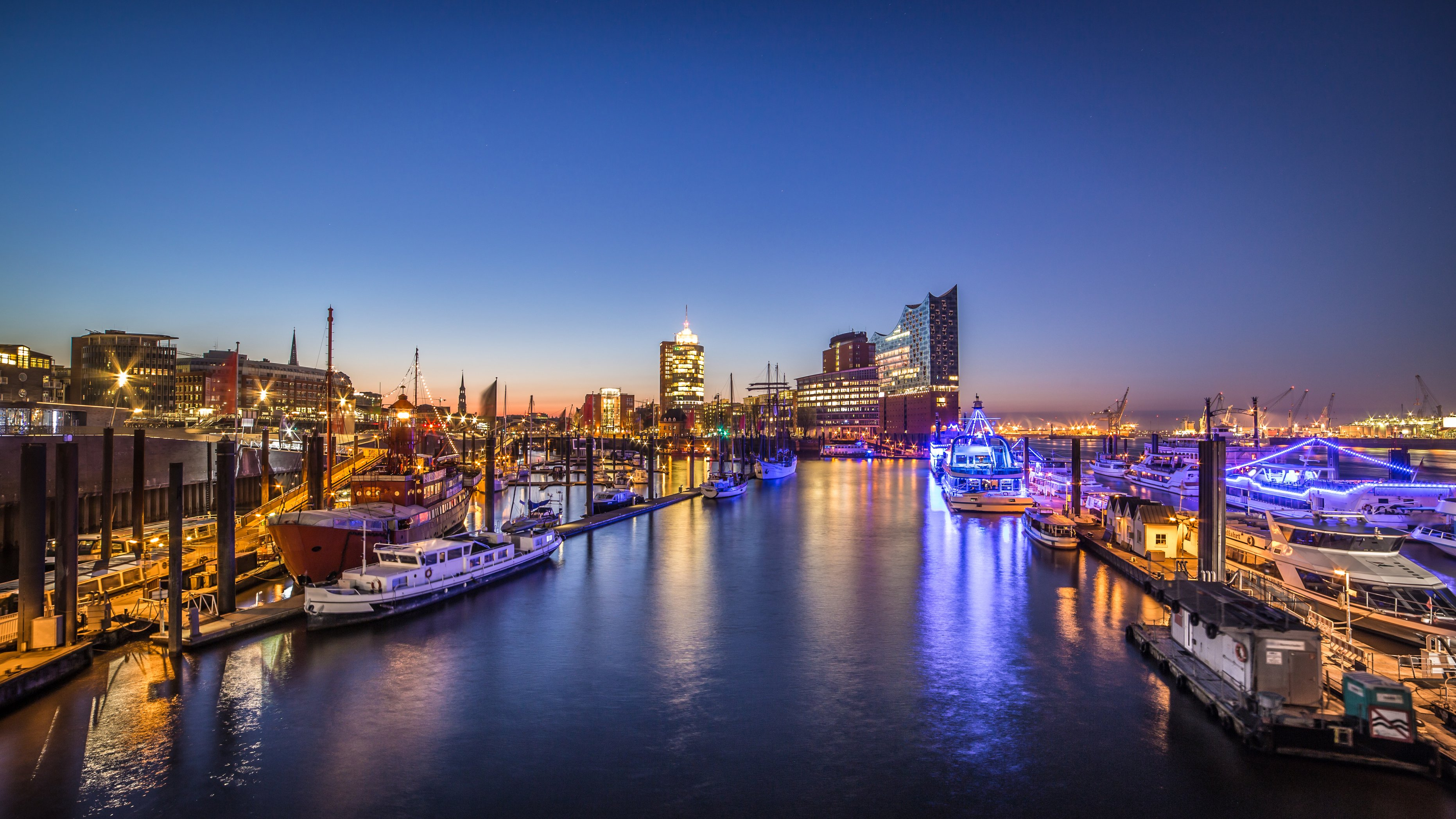 Hamburger-Bord-Party in Hamburg, Party, 18.08.2018, MS Hamburg / MS Hanseatic - Tickets - Copyright powell83 / fotolia