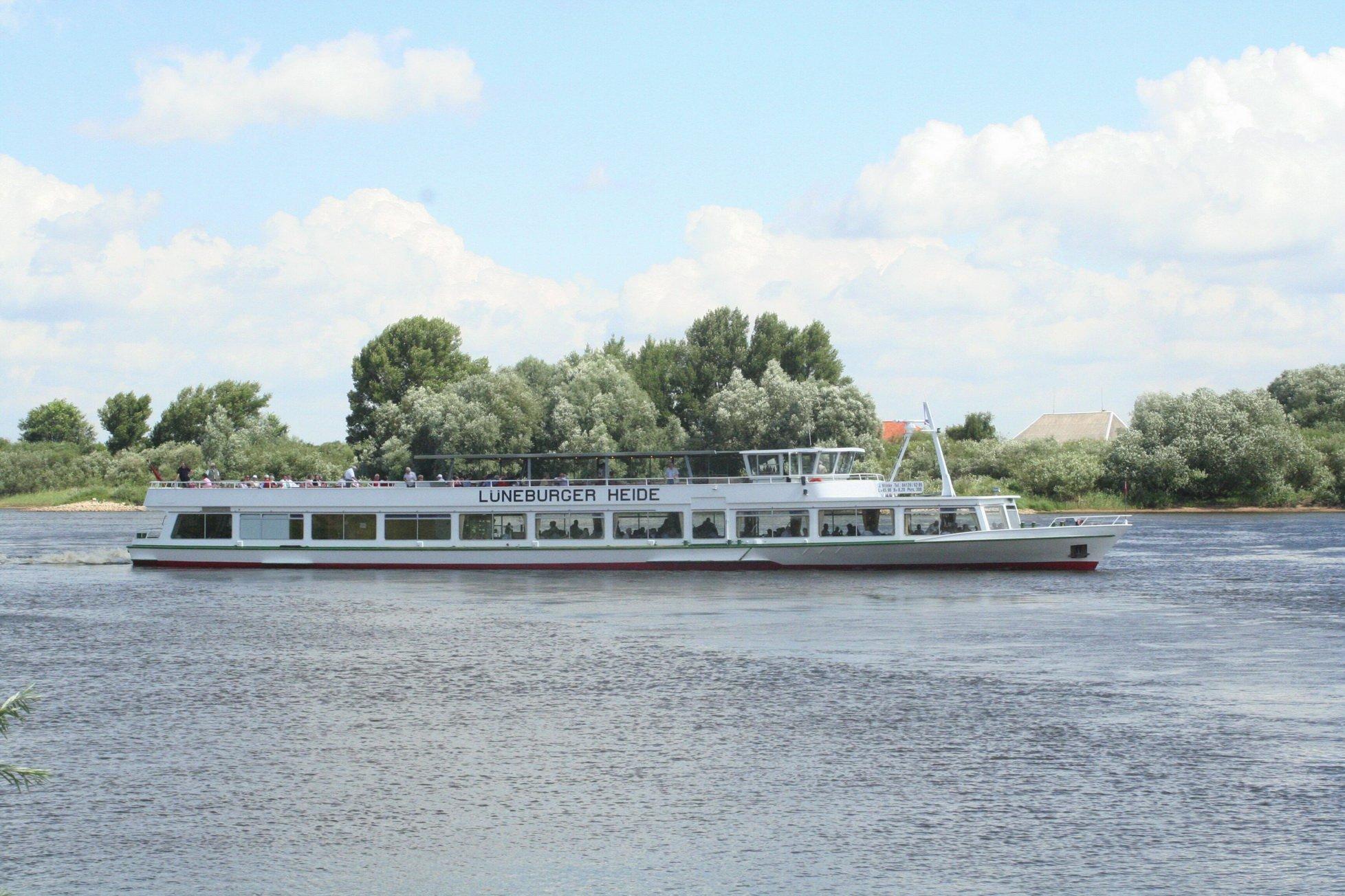 Die LÜNEBURGER HEIDE auf der Elbe