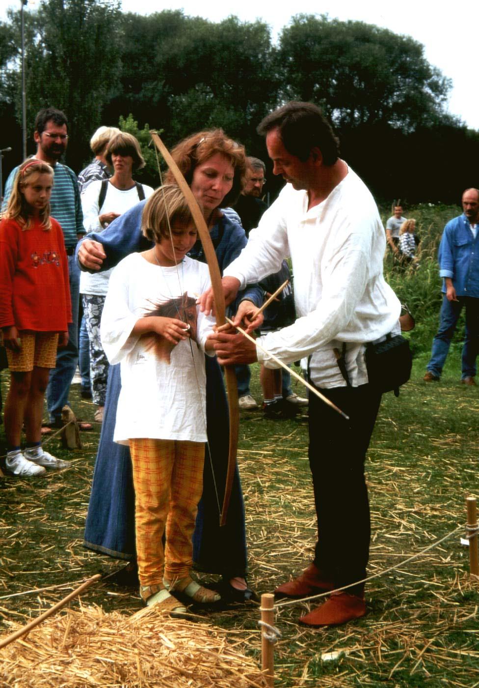 Handwerk im Mittelalter: Bogenschießen