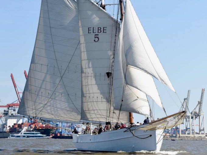 elbe_no_5_bookingkit-1518530496_1
