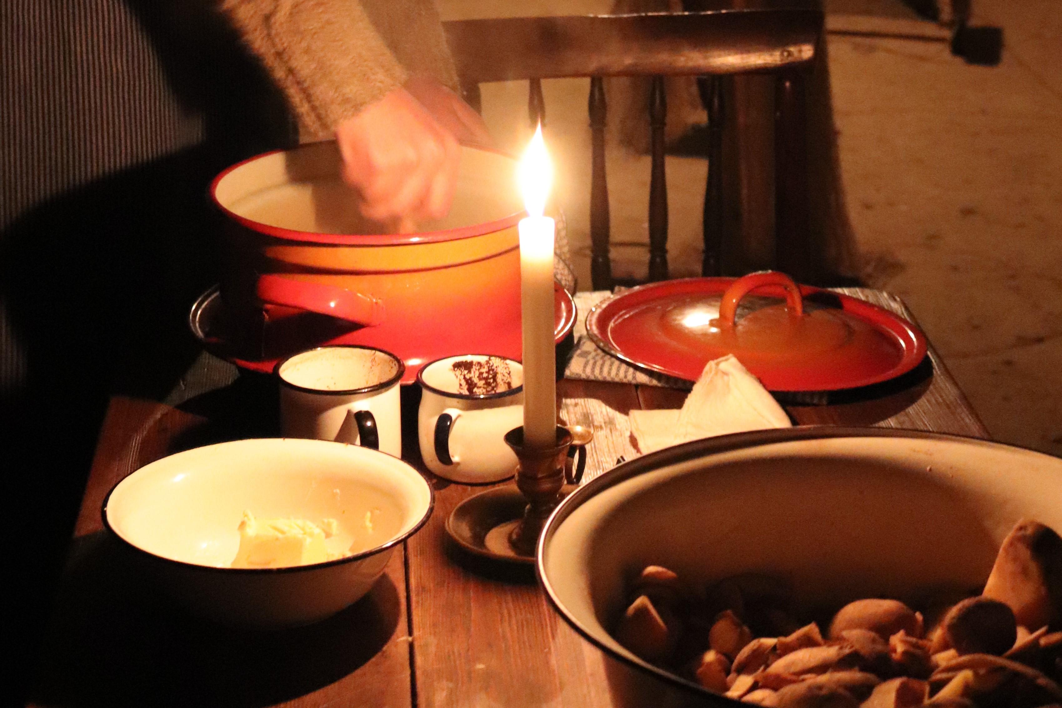 Feuer und Licht, Vorbereitung Abendessen