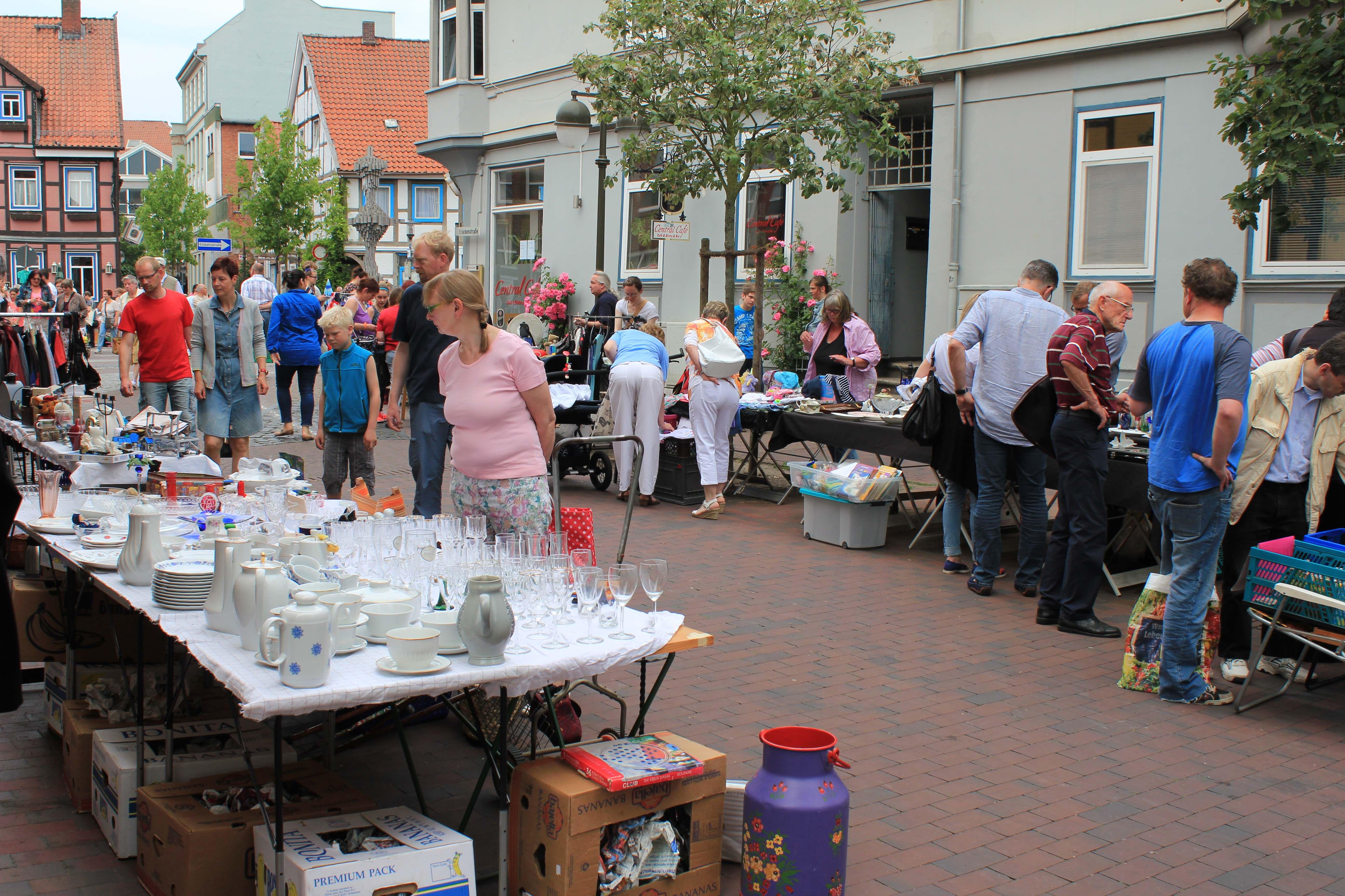 flohmarkt-am-schnellenmarkt-062015_jas-14-klein
