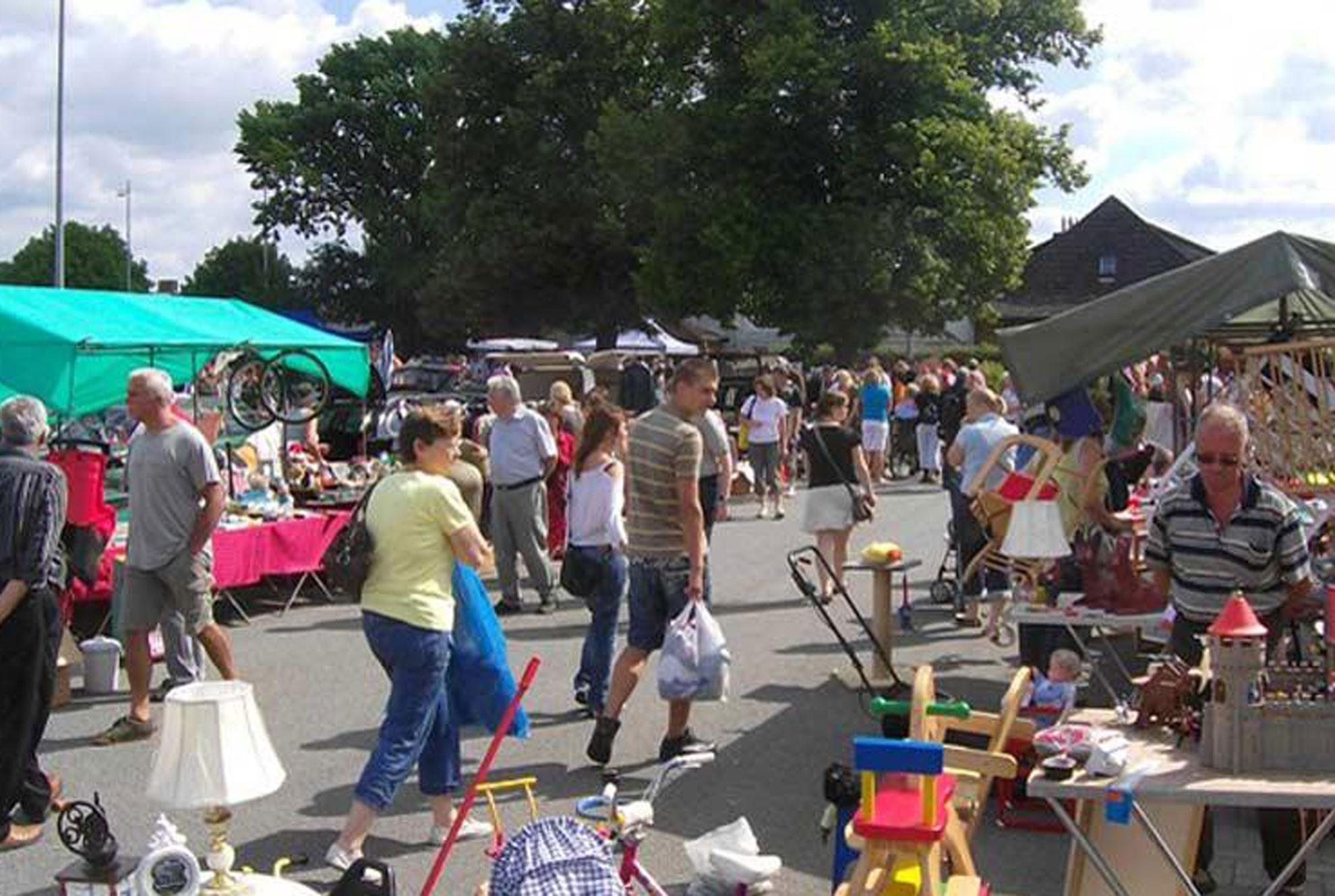 Flohmarkt bei Famila in Geesthacht