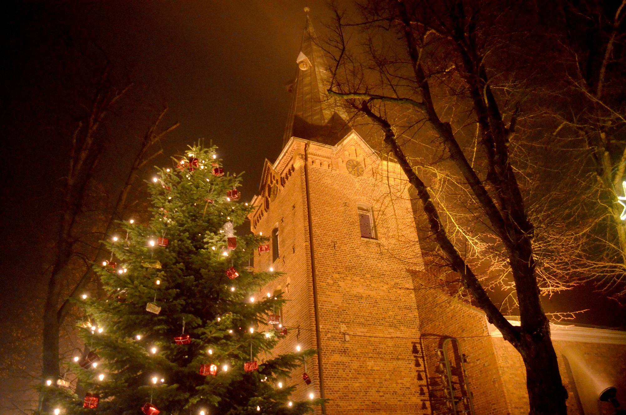 Lichterglanz Dreikoenigskirche Weihnachtszeit