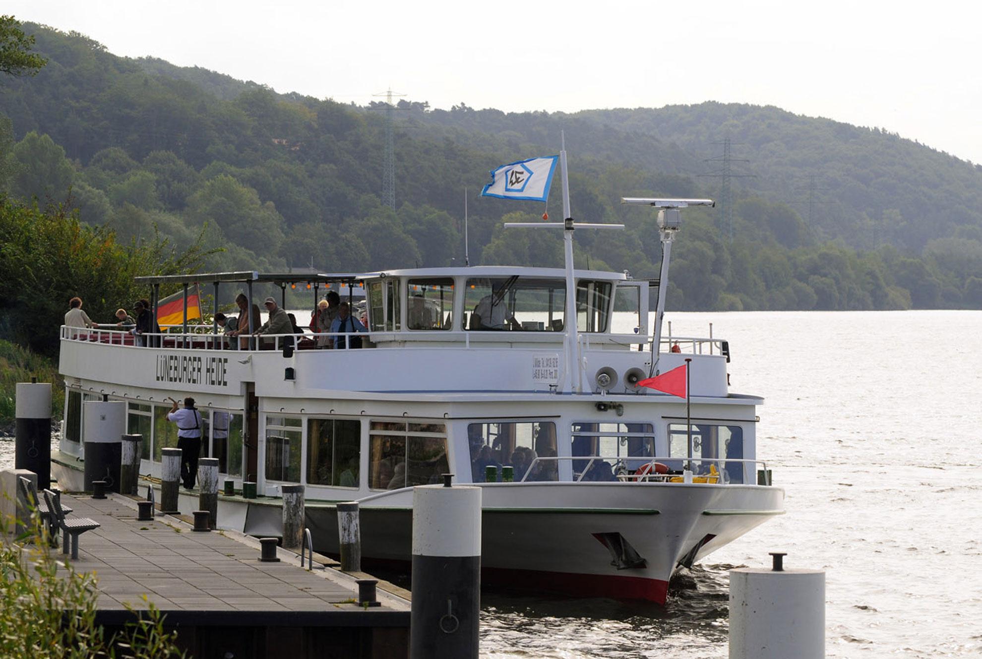 Lüneburger Heide am Schiffsanleger Geestacht